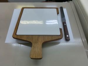 軟膏板と軟膏ヘラ